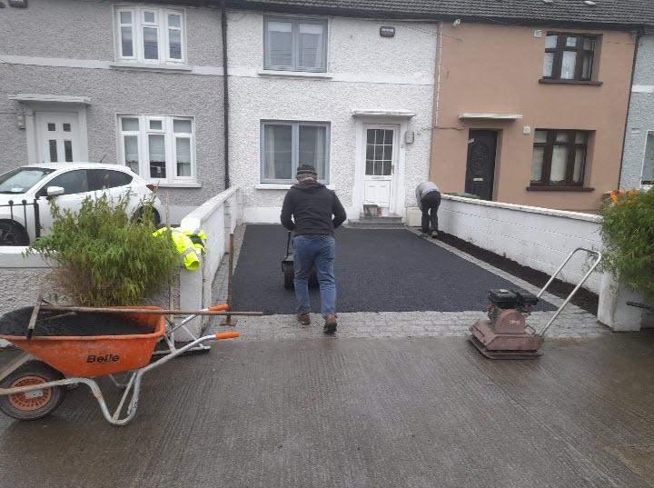 Tarmac driveway paving
